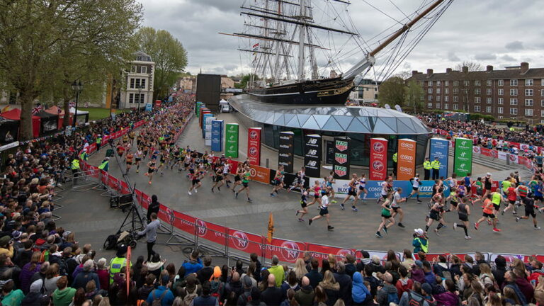 100,000 runners for the 2021 London Marathon