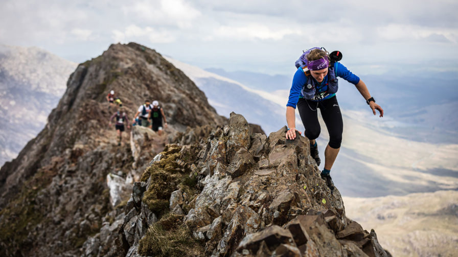 Lisa-Watson-on-Crib-Goch-during-the-2019-Dragon's-Back-Race---copyright-No-Limits-Photography